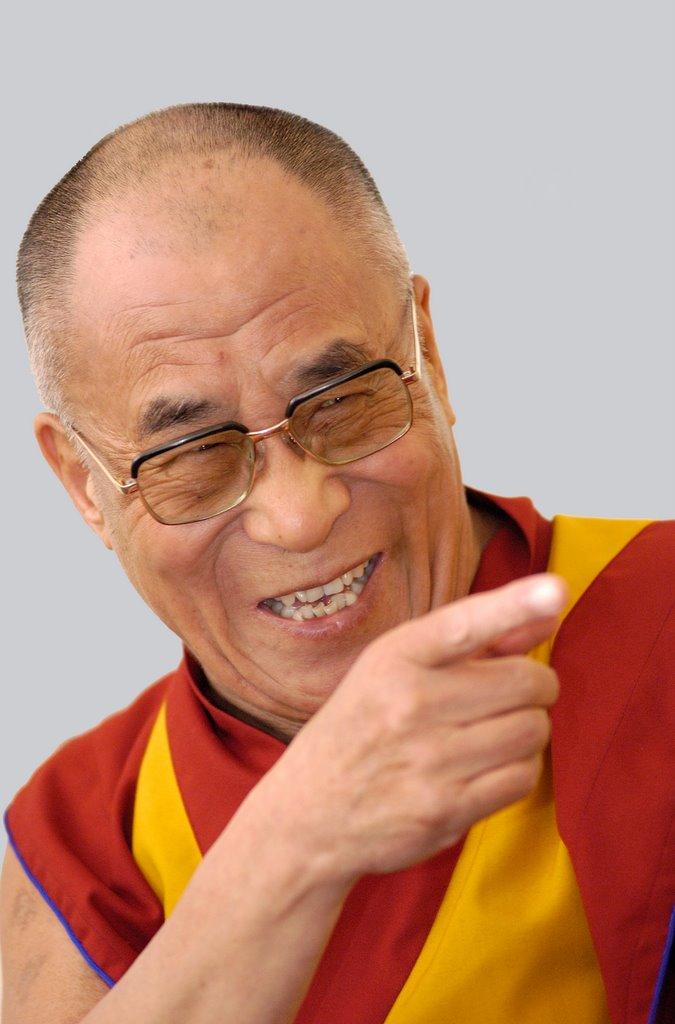 Wil de Dalai Lama zich meten met Tia Hellebaut?